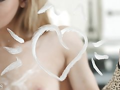 Blondýna, Onanie, Malé prsa, Náctileté