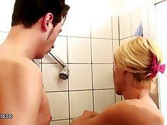 Prsíčka, Německo, Tvrdé sex, MILF