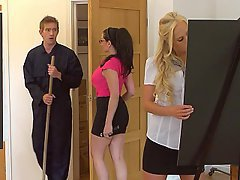 Grosse Hahn, Blondine, Blowjob, Brünette