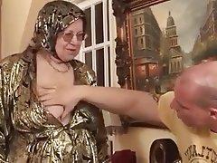 Prsíčka, Velký prdel, Babičky, Tvrdé sex